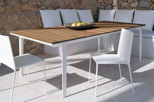 carpino outdoor table b b italia outdoor tomassini. Black Bedroom Furniture Sets. Home Design Ideas
